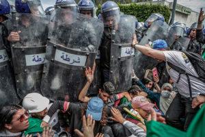 Clash with the Police During an Anti-Government Demonstration © Farouk Batiche, Algeria, Deutsche Presse-Agentur